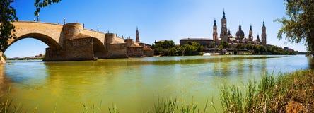 Panorama av Zaragoza Arkivbilder