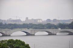 Panorama avec le pont commémoratif d'Arlington de Washington District de Colombie Etats-Unis images libres de droits