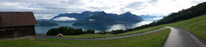 Panorama bagnato della strada immagine stock