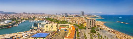Panorama Barcelona †'piękny lotniczy widok plaże, dziejowy centrum Catalonia, Hiszpania zdjęcia royalty free