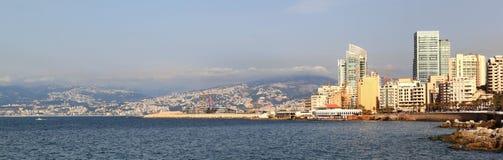 Panorama Beirut y las montañas de Líbano Fotografía de archivo