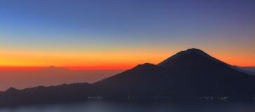 Panorama Berg Batur Rinjani stockfoto