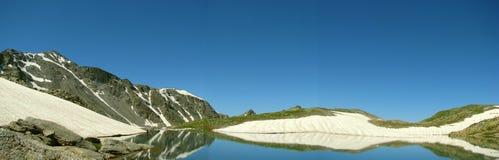 Panorama Berge und Seen lizenzfreies stockfoto
