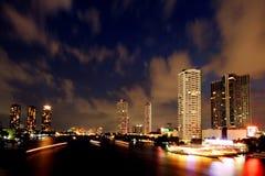 Beskåda av Chao Phraya River Arkivbilder