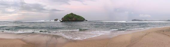 Panorama- beskåda av stranden Arkivbilder