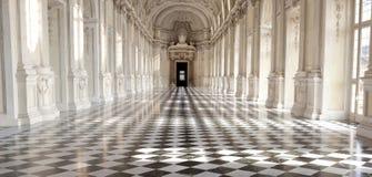 Panorama- beskåda av Galleria di Diana i Venaria den kungliga slotten, Torino, Piemonte Arkivbilder