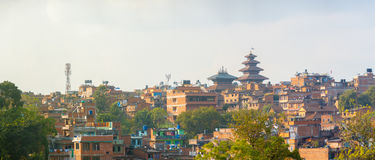 Panorama- Bhaktapur CityscapeNyatapola pagod arkivfoto