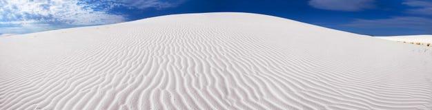 Panorama bianco della duna di sabbia Fotografia Stock