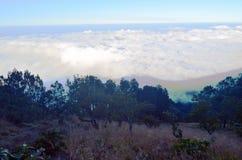 Panorama bij de Berg met hieronder Wolk Royalty-vrije Stock Fotografie