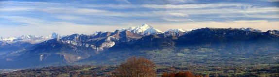 Panorama bij de Franse Alpes-herfst royalty-vrije stock fotografie