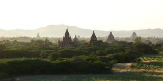 Panorama bij zonsondergang van de Natte pagode van Ta Bagan myanmar royalty-vrije stock afbeeldingen
