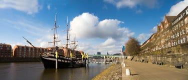 Panorama- bild med seglingskeppet Royaltyfria Bilder