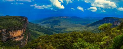 Panorama blu del parco nazionale delle montagne Fotografia Stock Libera da Diritti