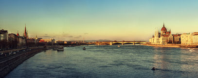 panorama- budapest Arkivfoto
