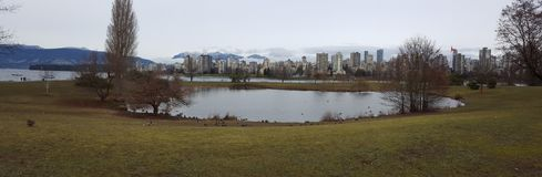 Panorama budynku gór zima Vancouver zdjęcia stock