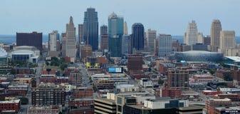 Panorama céntrico del horizonte de Kansas City fotografía de archivo libre de regalías