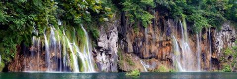 Panorama-Cascades à écriture ligne par ligne Photos libres de droits