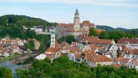 panorama- cesky tjeckisk krumlov Arkivbilder