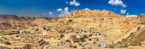 Panorama Chenini, warowna Berber wioska w Południowym Tunezja Obraz Royalty Free