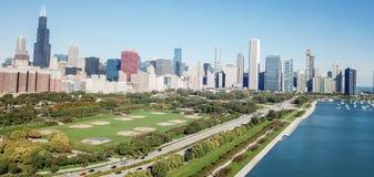 Panorama- Chicago för bästa sikt moderna horisonter och Lake Michigan royaltyfria foton