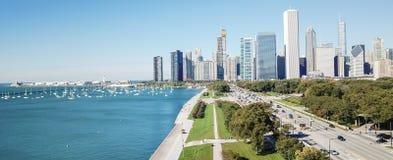 Panorama- Chicago för bästa sikt moderna horisonter och Lake Michigan arkivbilder