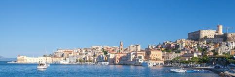 Panorama- cityscape av gamla Gaeta, Italien Arkivfoton