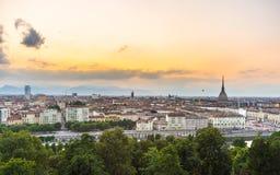 Panorama- cityscape av Turin från ovannämnt på solnedgången Fotografering för Bildbyråer