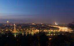 Panorama- cityscape av Turin (Torino) från ovannämnt på skymning Royaltyfri Foto