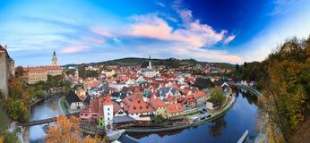 Panorama- cityscape Cesky Krumlov, Tjeckien Arkivfoto