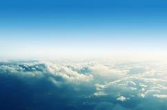 Panorama cloudscape, über den Wolken im Himmel Lizenzfreie Stockbilder