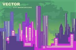 Panorama colorido da cidade Silhuetas das construções, arquitetura da cidade na noite, fundo do vetor Construções altas, torres,  Fotografia de Stock Royalty Free