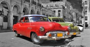 Panorama colorido de los coches de La Habana fotografía de archivo