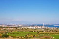 Panorama com plantas de petróleo Fotografia de Stock
