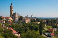 Panorama com Saint James Cathedral na cidade de Kutna Hora Imagem de Stock