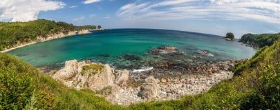 Panorama con el horizonte redondo del paisaje del mar, corazón que languidece de la isla de Telyakovsky de la bahía, Extremo Orie Fotos de archivo