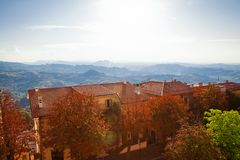Panorama con i tetti immagini stock