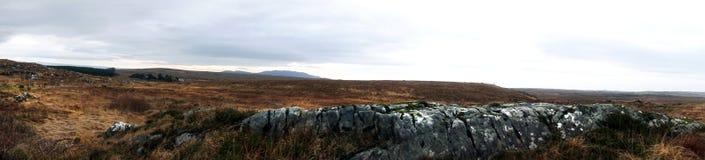 Panorama in Connemara, Ierland wordt genomen dat Stock Foto