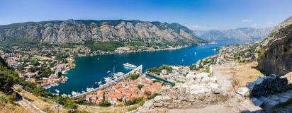Panorama cosido de la bahía de Kotor Imagen de archivo libre de regalías