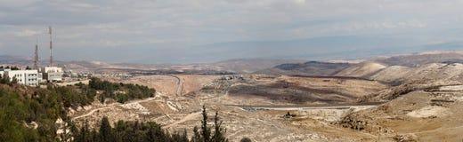 Panorama cosido de las pequeñas montañas Foto de archivo libre de regalías