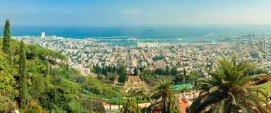 Panorama cosido de los jardines hermosos de Bahai Imagenes de archivo
