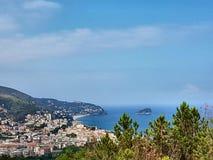 Panorama costiero del Riviera ligure Fotografia Stock Libera da Diritti