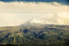 Panorama- Cotopaxi vulkan i Anderna Royaltyfri Foto