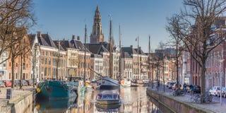 Panorama cruiseboat w kanale w Groningen Zdjęcie Royalty Free