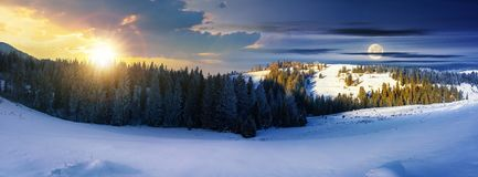 Panorama czas zmiana nad zima krajobraz obraz stock