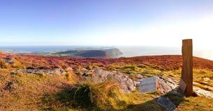 Panorama d'île de Man du sud avec la croix celtique Images libres de droits