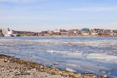 Panorama d'Alton à travers le fleuve Mississippi Image stock