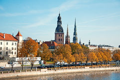 Panorama d'automne de Riga Photos stock