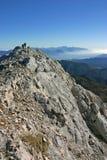 Panorama d'automne de Triglav NP avec des randonneurs Images stock