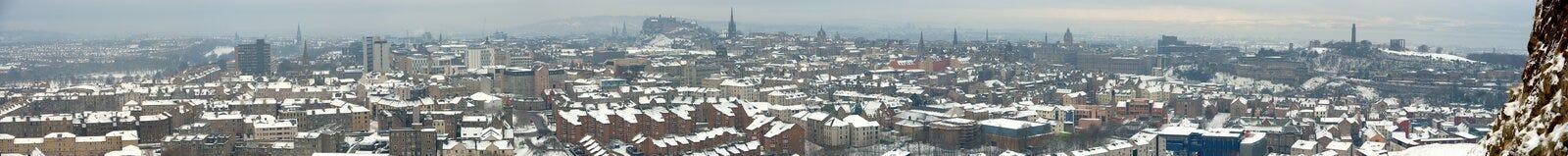 Panorama d'Edimbourg, Ecosse, dans la neige Photo stock