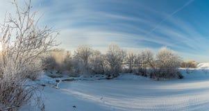 Panorama d'hiver de la rivière, Russie, Ural Photo libre de droits